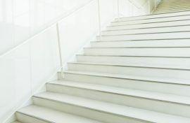 pintar escaleras de comunidades de vecinos Pimonts pintores barcelona escaleras mantenimiento